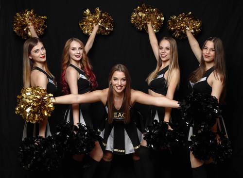 A DEAC cheerleaderei (Fotók: Derencsényi István)